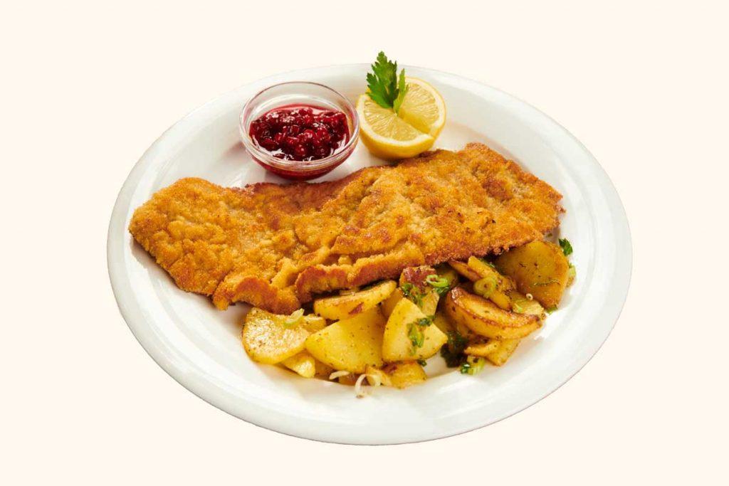 Speisekarte & Getränke - Schnitzel mit Bratkartoffeln passend zum Bier in Dresden